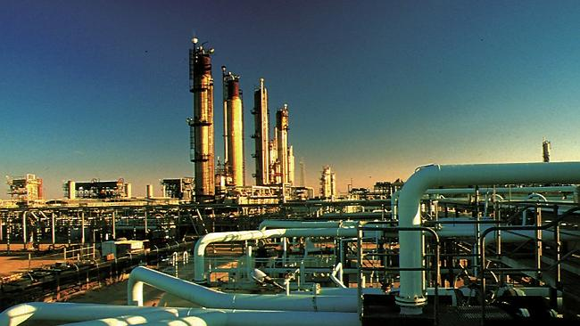 the-santos-processing-plant-at-moomba-in-central-australia-processes-the-cooper-basin-natural-gas