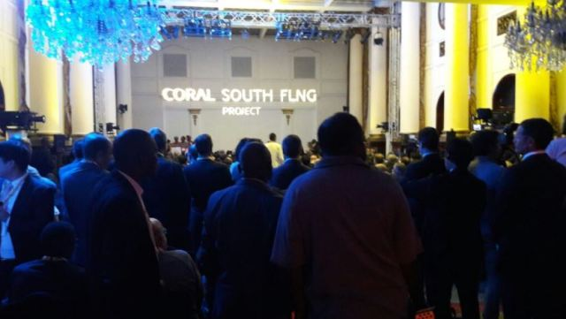 coral-south-flng-contract-goes-to-air-products