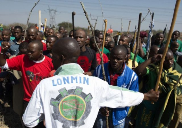 Lonmin+Platinum+mine+workers