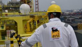 Angola: Eni hits 'major oil discovery' offshore