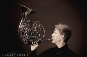 Greg Beckwith, Horn