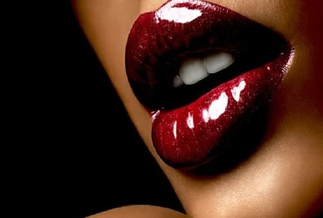 Lead_lipstick Fantastic Tips on 'How to Kiss'