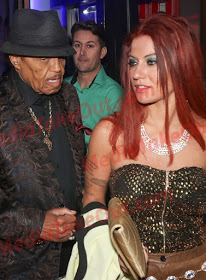 MJ_Father1 Michael Jackson's Dad spotted with Sexy Young New Girlfriend | Photos