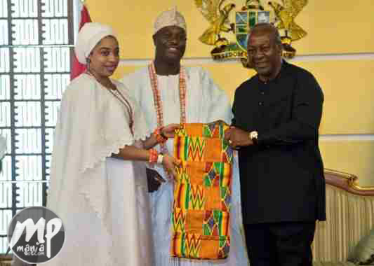 wp-1469365119022-1 Ooni of Ife visited the President of Ghana John Manama (Photo)