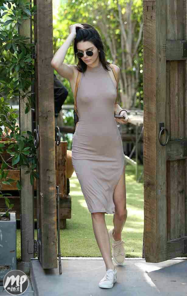 wp-1470623218341-1 Kendall Jenner flashes N!ppl3s in Nud3 coloured dress (Photo)