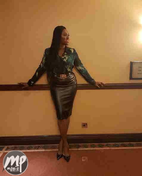 wp-1470809476279-1 Waje shows of stunning curves in leather skirt (Photo)