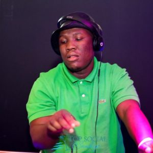 209151716 357139345830403 4967928490015138719 n Hip Hop More Mposa.co .za  - Busta 929 & Semi Tee – Top Dawg Session (Live Mix)