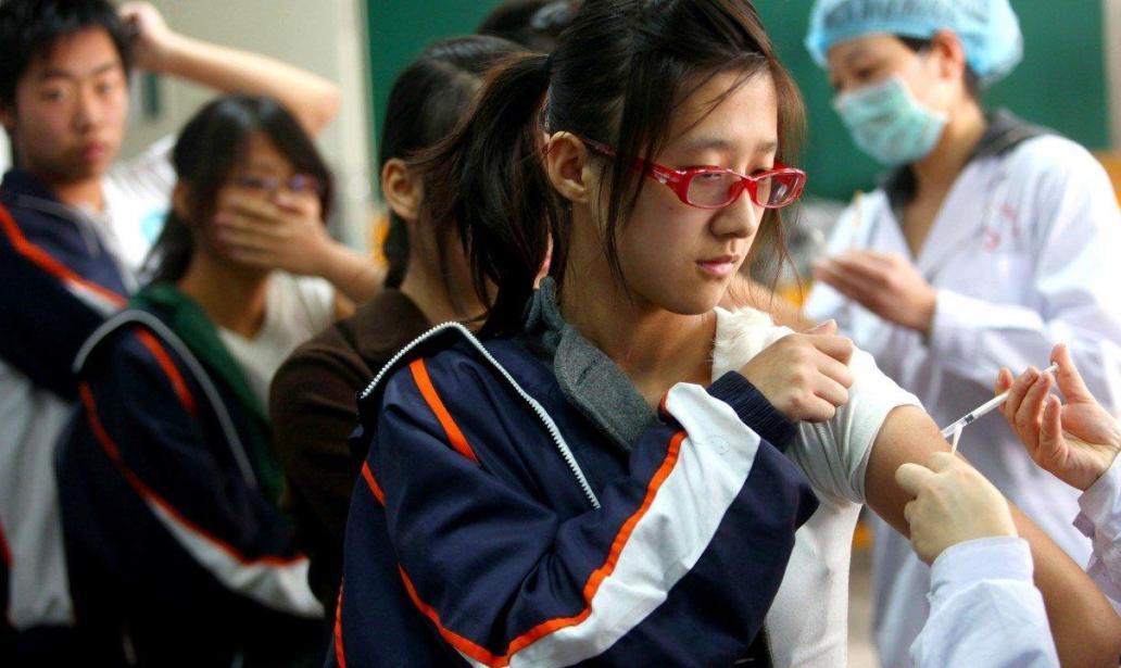 Chinesen wehren sich gegen eine Zwangsimpfung seiner Bevölkerung