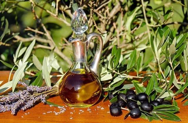 Olive oil for impeccable skin
