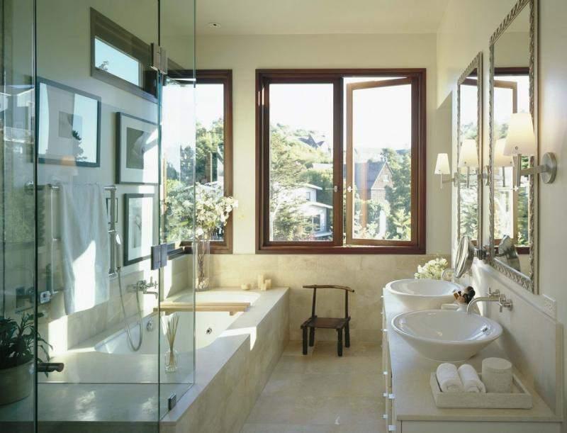 дизайн ванной комнаты с окном 1