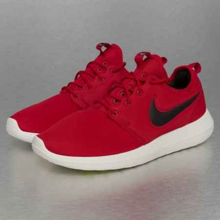 Nike Roshe Two Sneakers Gym Red/Black Sail/Volt