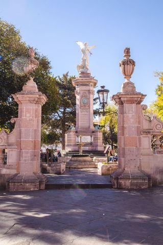 La debacle de Miguel Hidalgo. Monumento en la ciudad de Zacatecas.