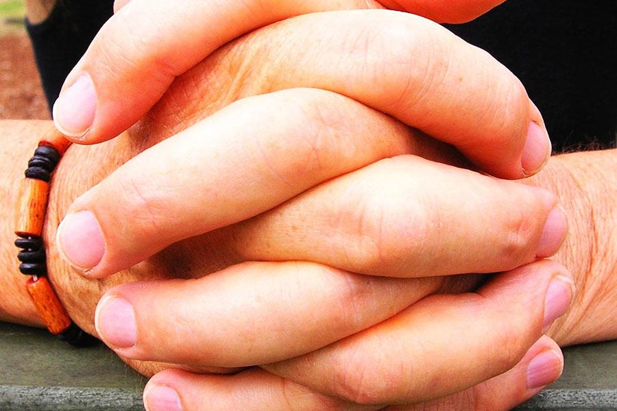 3 gestes qui vous trahissent #2
