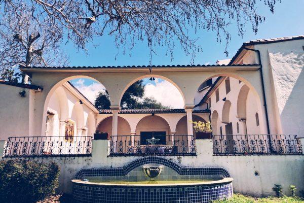 King Gillette Ranch Mansion Courtyard
