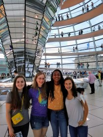 Bella Jackson, Agatha Wozniak, Dallas Jackson, Hannah Alter @ the Bundestag