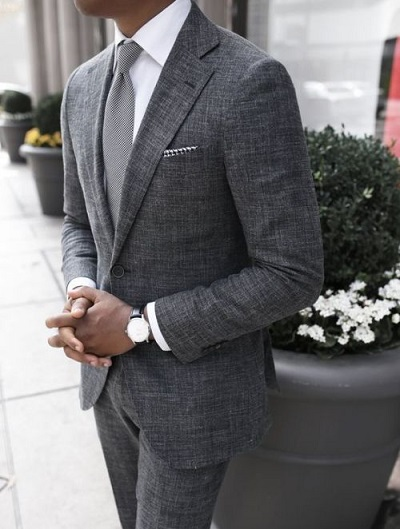 Accessories To Wear With A Gray Suit