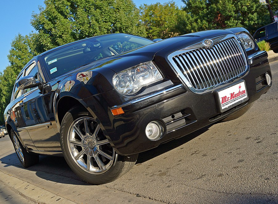 2010 Chrysler 300C Hemi Chrome Grille