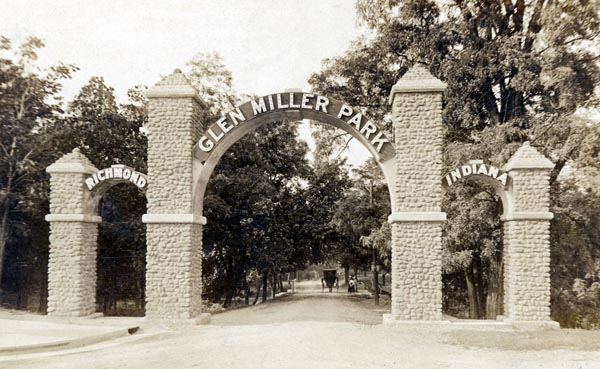 Archway at Main Street entrance to Glen Miller Park