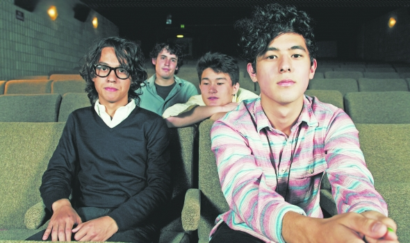 Last Dinosaurs 專訪,澳洲獨立搖滾樂團獨自打造全新第三張專輯 Yumeno Garden 1