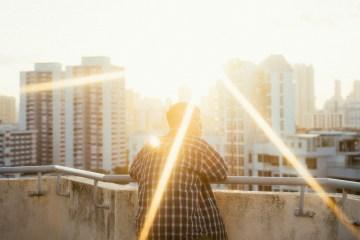 專訪|新生代音樂人 YAØ風靡北美,釋出全新歌曲 Moonlight 邀大家一起徜徉月光之下