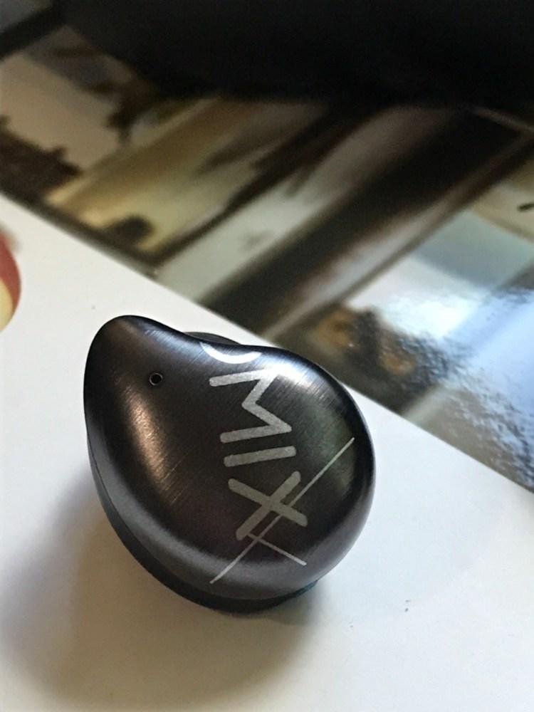 OMIX Y9 真無線半入耳式運動藍牙耳機開箱!出外旅遊的高 CP 值好夥伴 6