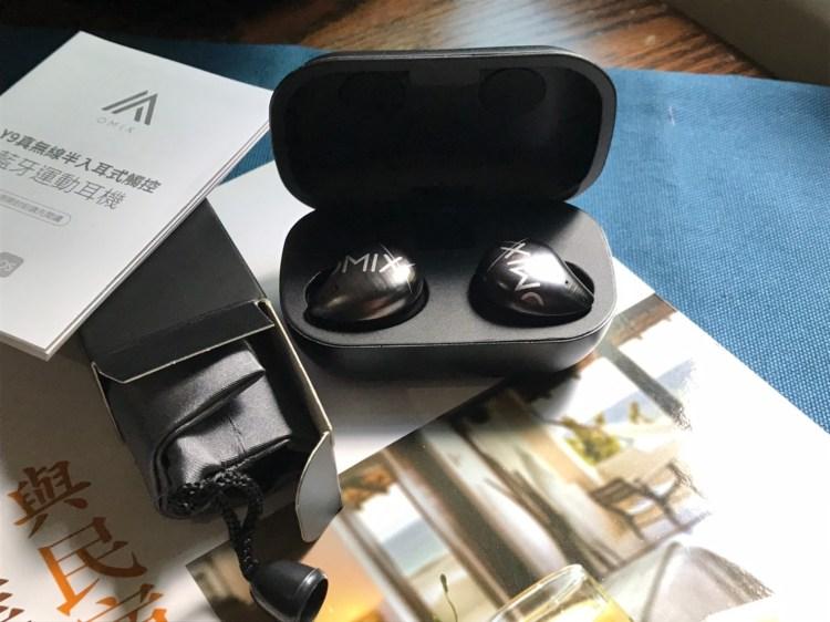OMIX Y9 真無線半入耳式運動藍牙耳機開箱!出外旅遊的高 CP 值好夥伴 3