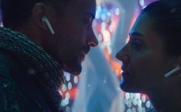 蘋果替AirPods與iPhone X推出新的浪漫廣告Holiday — Sway