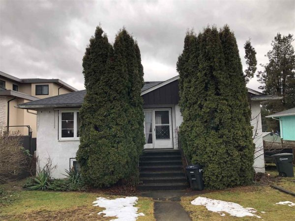 Main Photo: 7274 STRIDE Avenue in Burnaby: Edmonds BE House for sale (Burnaby East)  : MLS®# R2430416
