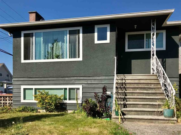 Main Photo: 3521 PRICE Street in Vancouver: Collingwood VE House for sale (Vancouver East)  : MLS®# R2488840