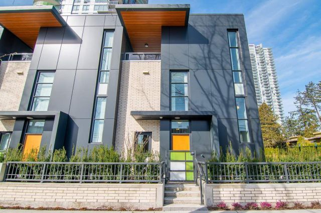 """Main Photo: 6601 MARLBOROUGH Avenue in Burnaby: Metrotown Townhouse for sale in """"MIDORI"""" (Burnaby South)  : MLS®# R2355425"""