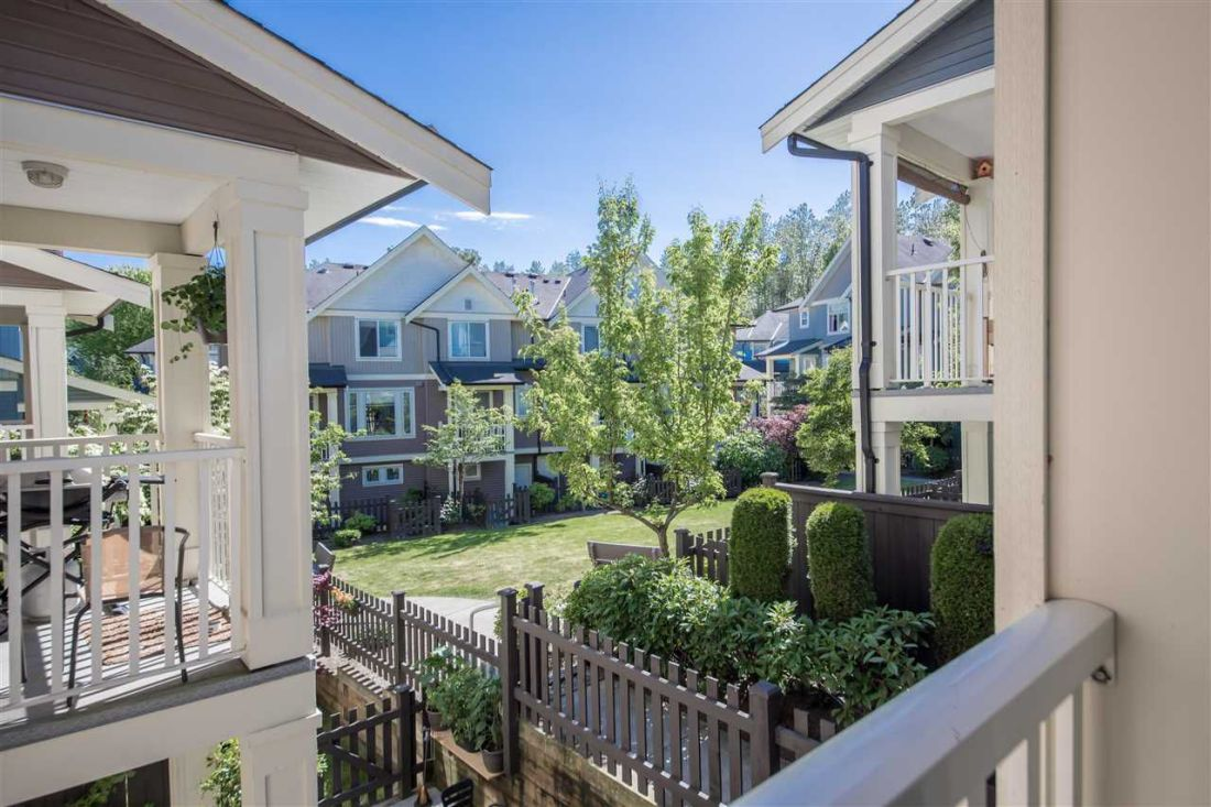 """Main Photo: 68 6575 192 Street in Surrey: Clayton Townhouse for sale in """"Ixia"""" (Cloverdale)  : MLS®# R2275414"""