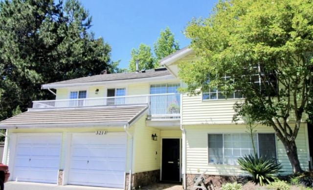 Main Photo: 3211 INGLESIDE Court in Burnaby: Government Road House for sale (Burnaby North)  : MLS®# R2330959