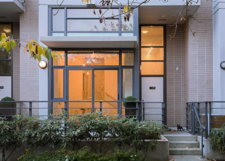 """Main Photo: 410 E 11 Avenue in Vancouver: Mount Pleasant VE Townhouse for sale in """"UPTOWN by CONCORD"""" (Vancouver East)  : MLS®# R2331460"""