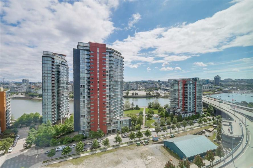 Main Photo: 957 38 SMITHE Street in Vancouver: Downtown VW Condo for sale (Vancouver West)  : MLS®# R2331583