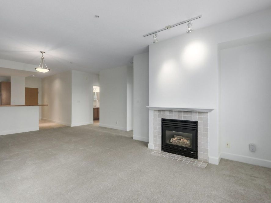 """Main Photo: 301 6198 ASH Street in Vancouver: Oakridge VW Condo for sale in """"THE GROVE"""" (Vancouver West)  : MLS®# R2332430"""