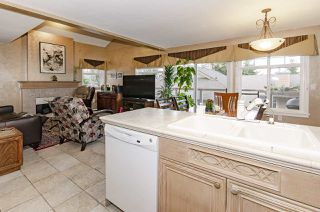 """Photo 10: 39 5201 OAKMOUNT Crescent in Burnaby: Oaklands Townhouse for sale in """"HARTLANDS"""" (Burnaby South)  : MLS®# R2515415"""