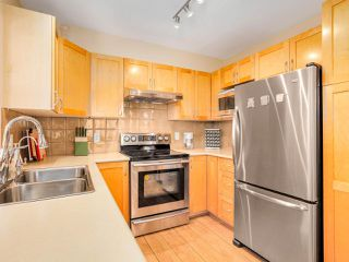 """Photo 3: 211 2338 WESTERN Parkway in Vancouver: University VW Condo for sale in """"WINSLOW COMMONS"""" (Vancouver West)  : MLS®# R2429976"""