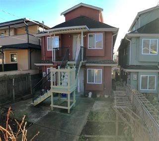 Photo 19: 139 E 62 Avenue in Vancouver: South Vancouver House for sale (Vancouver East)  : MLS®# R2442010