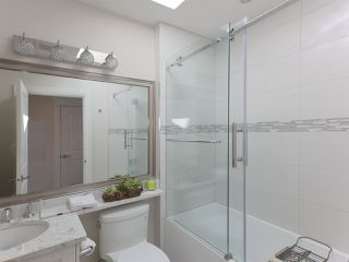 Photo 30: 6906 UNION Street in Burnaby: Sperling-Duthie House 1/2 Duplex for sale (Burnaby North)  : MLS®# R2484753