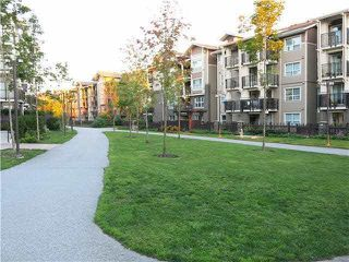 """Photo 2: 112 5788 SIDLEY Street in Burnaby: Metrotown Condo for sale in """"MACPHERSON WALK NORTH(PHASE 3)"""" (Burnaby South)  : MLS®# R2466247"""