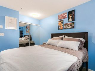 """Photo 13: 119 672 W 6TH Avenue in Vancouver: Fairview VW Townhouse for sale in """"BOHEMIA"""" (Vancouver West)  : MLS®# R2401186"""