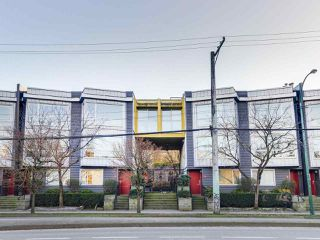 """Photo 18: 119 672 W 6TH Avenue in Vancouver: Fairview VW Townhouse for sale in """"BOHEMIA"""" (Vancouver West)  : MLS®# R2401186"""