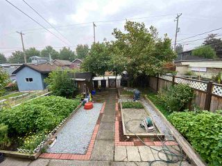 Photo 4: 2822 DUNDAS Street in Vancouver: Hastings Sunrise House for sale (Vancouver East)  : MLS®# R2499556