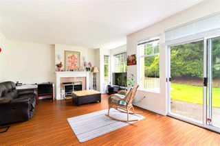 """Photo 6: 49 5221 OAKMOUNT Crescent in Burnaby: Oaklands Townhouse for sale in """"SEASONS BY THE LAKE"""" (Burnaby South)  : MLS®# R2480570"""