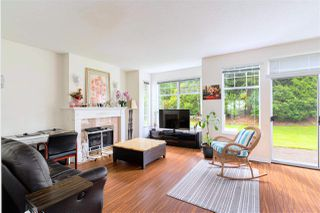 """Photo 7: 49 5221 OAKMOUNT Crescent in Burnaby: Oaklands Townhouse for sale in """"SEASONS BY THE LAKE"""" (Burnaby South)  : MLS®# R2480570"""