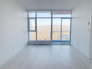 """Photo 2: 4709 4670 ASSEMBLY Way in Burnaby: Metrotown Condo for sale in """"STATION SQUARE 2"""" (Burnaby South)  : MLS®# R2336206"""