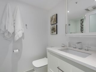 """Photo 15: 601 1970 HARO Street in Vancouver: West End VW Condo for sale in """"LAGOON ROYALE"""" (Vancouver West)  : MLS®# R2315150"""