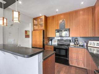 Photo 7: 2244 W 14 Avenue in Vancouver: Kitsilano Townhouse for sale (Vancouver West)  : MLS®# R2332437