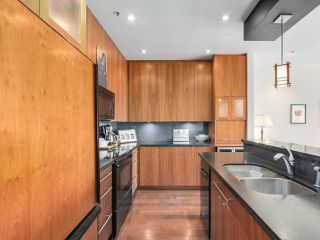 Photo 9: 2244 W 14 Avenue in Vancouver: Kitsilano Townhouse for sale (Vancouver West)  : MLS®# R2332437