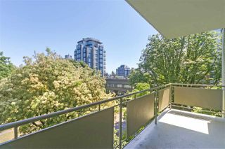 "Photo 10: 301 5475 VINE Street in Vancouver: Kerrisdale Condo for sale in ""Vinecrest Manor"" (Vancouver West)  : MLS®# R2373526"